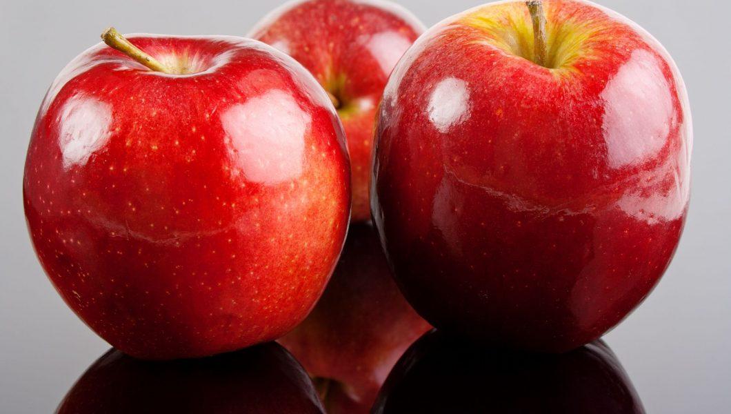 Două mere pe zi țin medicul departe de totdeauna?